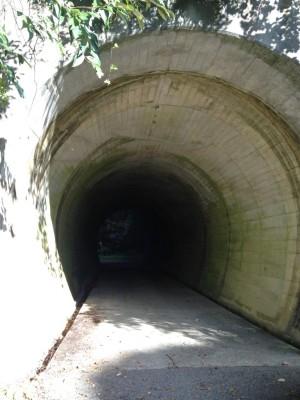 小松線:トンネル